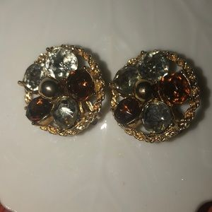 Vintage gold tone clip on earrings blue/amber ston
